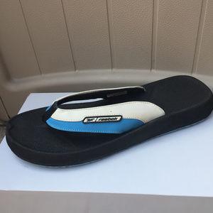 cbaee2a61b23 Reebok Flip Flop Sandals